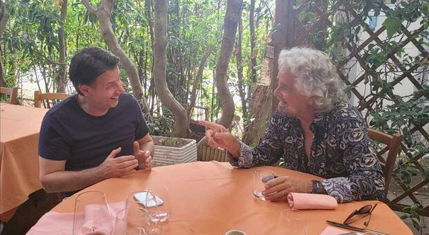 M5s, Conte e Grillo si incontrano a Marina di Bibbona: clima cordiale