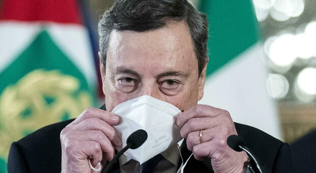 Mario Draghi, un premier senza social: «Su Facebook e Twitter non ha profili»