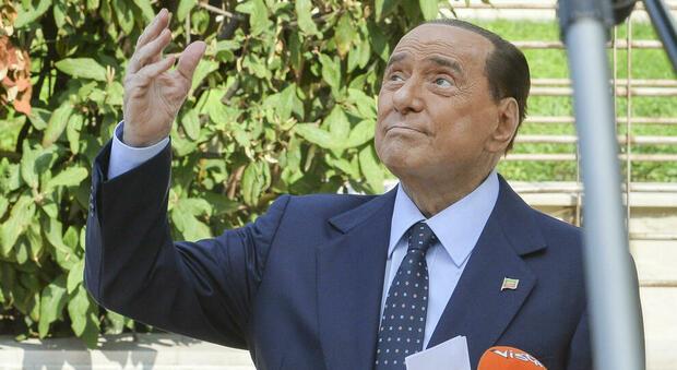 Berlusconi negativo al primo tampone Covid. L'annuncio dell'amico Galliani: «Ora aspettiamo il secondo»