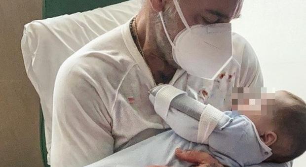 Gianluca Vacchi, la figlia Blu Jerusalema operata: «Non laverò mai la maglia col suo sangue, una lezione di coraggio»