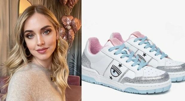 Chiara Ferragni lancia le sneakers con l'occhio, già sold out. Ecco il prezzo. Fan delusi: «Non è possibile...»