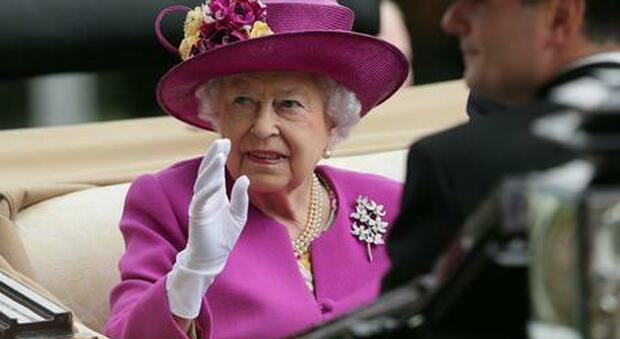 Alla Regina Elisabetta non piace la pizza. L'ex chef: «In 15 anni con me non l'ha mai mangiata»
