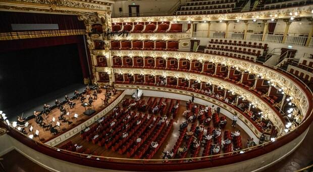 Si ripopola il Petruzzelli a Bari con concerti e visite guidate. Ecco dove acquistare i ticket