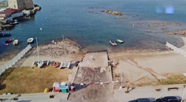 Lo scivolo nella baia di Torre Santa Sabina