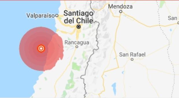 Terremoto in Cile, violenta scossa di magnitudo 6.8: è allerta tsunami