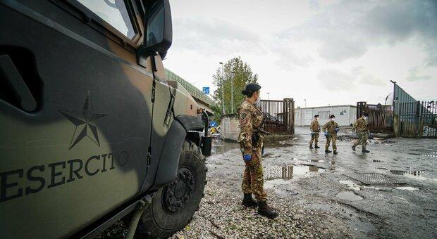 esercito_campo_rom_scampia_napoli_covid
