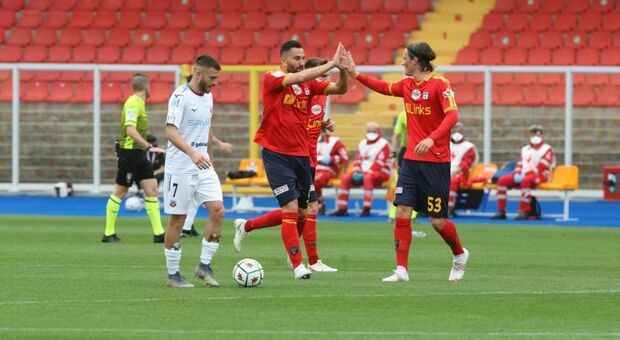 L'esultanza dopo il gol di Coda (foto Tortorella)
