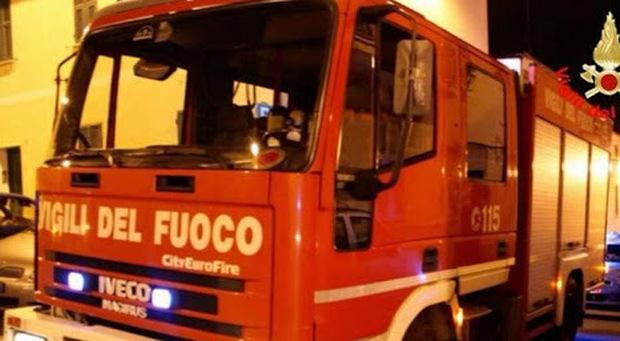 Roma, incendio in una villetta: morta una donna, grave il marito
