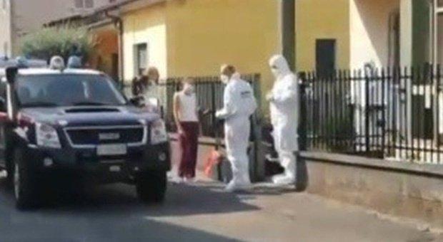Maria, 70 anni, uccisa a coltellate in casa. Interrogato il figlio che ha scoperto il cadavere