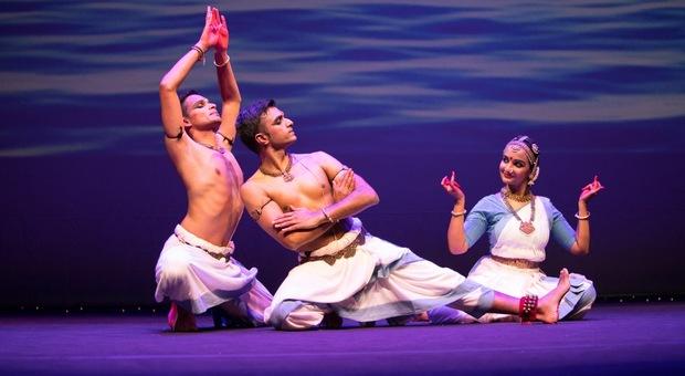 A Roma arriva la Diwali 2020, la festa induista più importante. Partecipa anche la figlia di Gandhi
