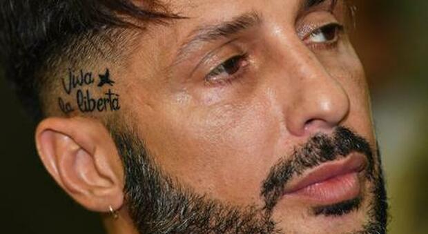 Fabrizio Corona, la diagnosi choc dello psichiatra Meluzzi: «In carcere può suicidarsi». E Celentano scrive ai giudici