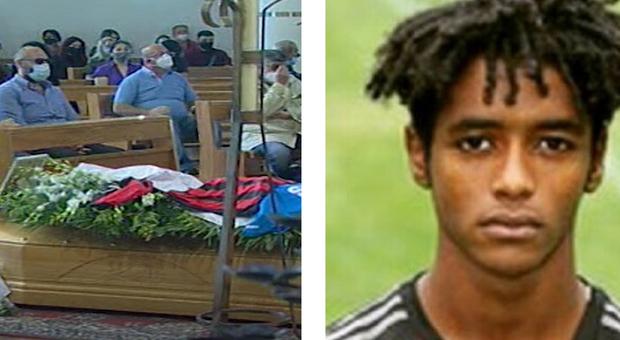 Seid Visin, ex Milan morto suicida a 20 anni: «Sguardi schifati per il colore della mia pelle»