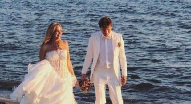 Matrimonio Spiaggia Taranto : Stefania orlando si sposa le foto più belle del matrimonio sulla