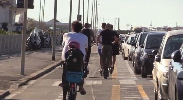 Ostia, per il Ministero dei Trasporti la pista ciclabile sul lungomare «è illegittima»