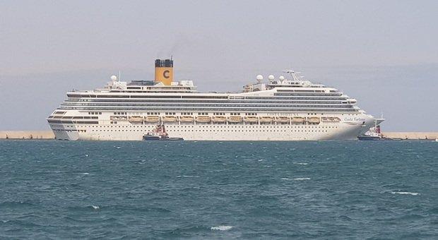 La Costa Fortuna nel porto di Brindisi
