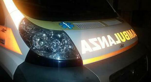 Milano, 53enne accoltellato nella notte