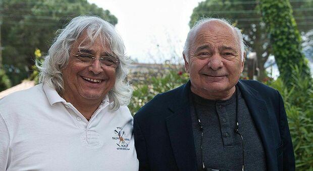 Francesco Malavenda (sinistra) sceneggiatore, 66 anni, morto a Roma 5 gennaio 2021 con l'attore Usa, Burt Young (destra)