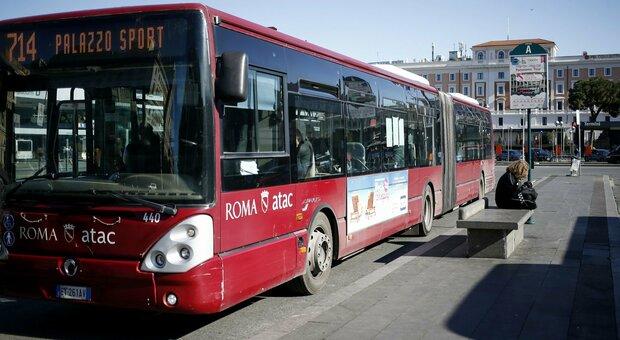 Trasporto pubblico e Covid, accordo in conferenza unificata: «Mezzi pieni non oltre l'80%»