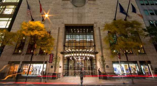 A New York l'hotel Four Season da mille dollari a notte accoglierà gratis medici e infermieri