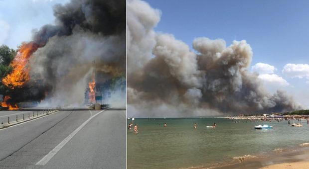 Incendi Abruzzo, paura a Pescara: il fuoco minaccia le case, bagnanti in fuga