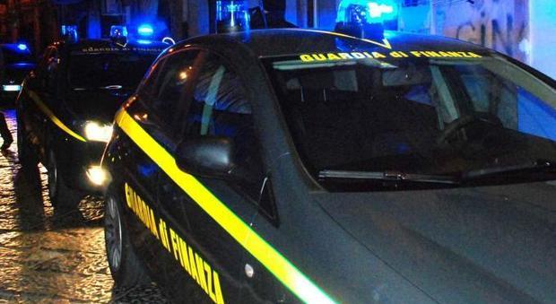 Droga, armi e tritolo dall'Albania, arresti e sequestri dell'antimafia