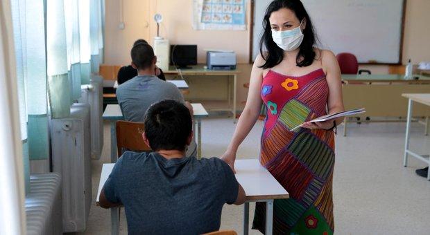 Coronavirus, Oms: «Seconda ondata possibile in autunno. Riaperture delle scuole ha provocato nuovi casi»