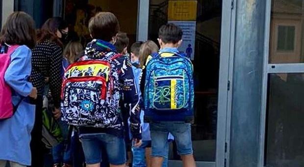 Studente viene bocciato al primo anno di liceo. Ma il Tar annulla: «Penalizzato dalla Dad»
