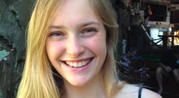 Stuprata a 21 anni e uccisa a sassate da una gang
