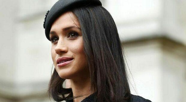Meghan Markle ha seguito i funerali del principe Filippo in tv: l'omaggio al nonno di Harry