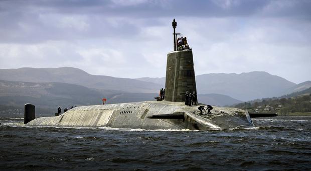 Sesso e droga nel sottomarino nucleare, scandalo nella Marina britannica