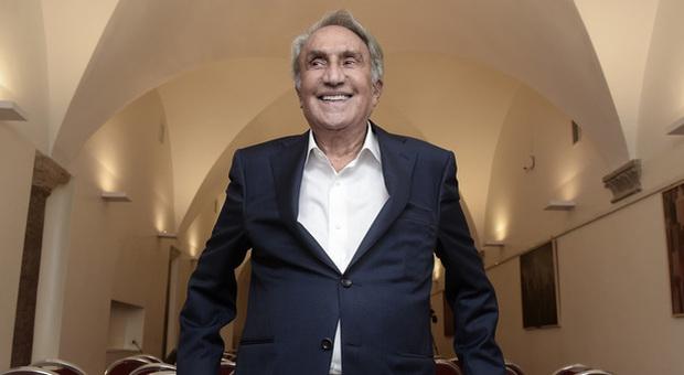Emilio Fede, l'intervista: «Non sono un evaso, il popolo è con me: un tenente non può decidere la mia vita»