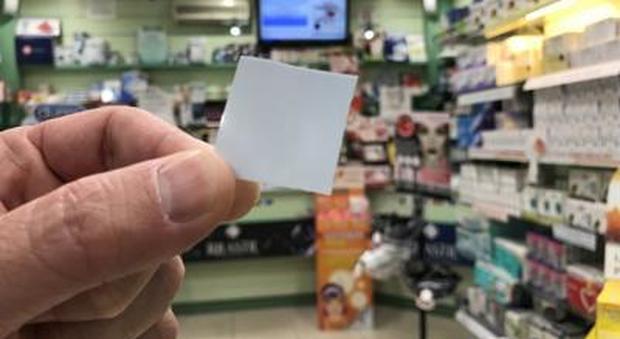 """Addio flop a letto, arriva in farmacia il """"francobollo dell'amore"""""""