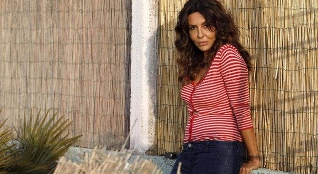Licenziamento ad ArcelorMittal per post sulla fiction: Sabrina Ferilli si offre per pagare spese legali