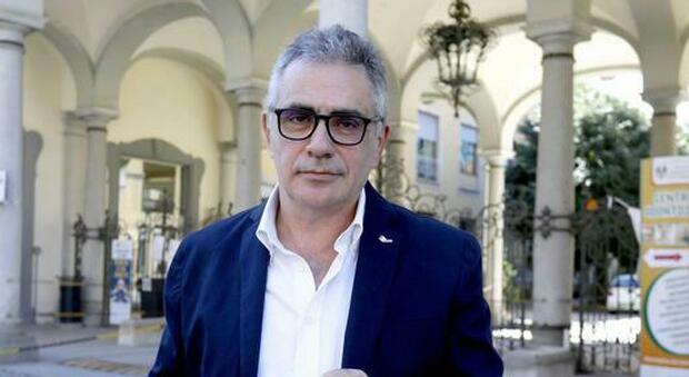 Covid Italia, Pregliasco: di questo passo tra 15-20 giorni dovremo chiudere i confini regionali