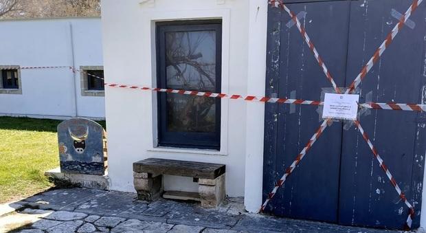 """Scuola di vela """"abusiva"""" in area protetta: scattano i sigilli"""
