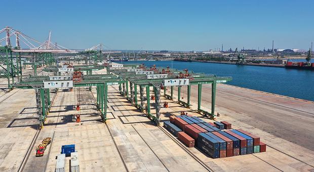 Draghi punta sui porti del Mezzogiorno con 630 milioni di euro di risorse: c'è anche lo scalo di Taranto