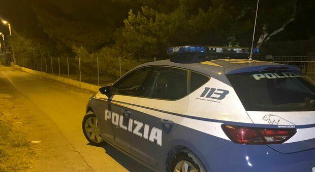 Sparatoria a San Vito, approfondimenti della Polizia amministrativa: senza mascherine e distanze non rispettate, scattano chiusure e verbali