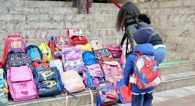 Barbara D'Urso, a Pomeriggio 5 l'appello al presidente della Puglia Emiliano che chiude le scuole: «Ascolta queste mamme»