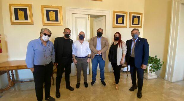 Il gruppo in visita a palazzo di città