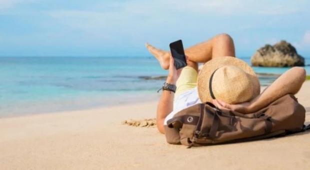 Vacanze all'estero, la guida dei Paesi più sicuri: ecco quelli consigliati e quelli sconsigliati