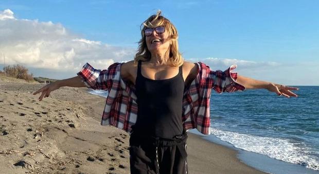 Barbara D'Urso, l'indiscrezione: «È fidanzata da due mesi ed è innamoratissima. Ecco chi è lui...»