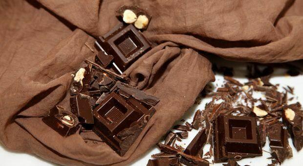 Dieta, mangiare cioccolato al latte a colazione può far perdere peso: nuovo studio Usa
