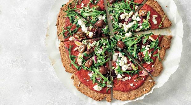 La pizza con mandorle e grano saraceno