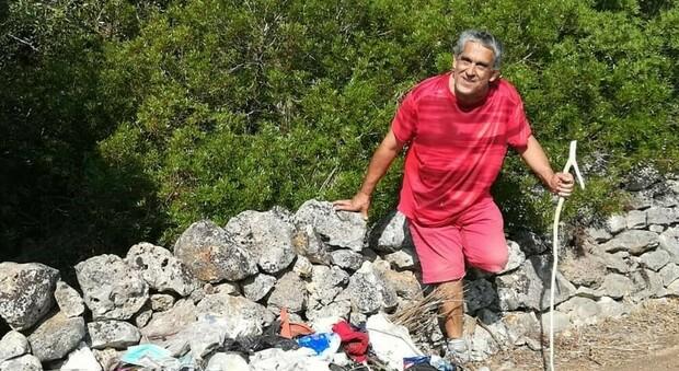 Prende il reddito di cittadinanza, volontario va al parco e lo ripulisce da rifiuti e cartacce