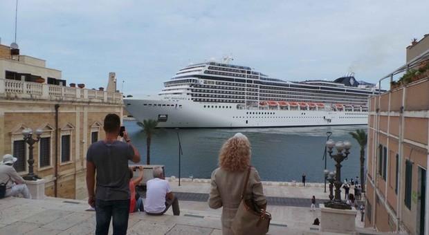 Le navi da crociera a Brindisi (foto Frigione)