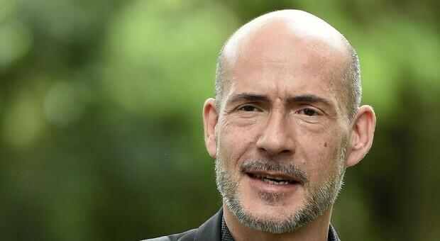 L'attore Tognazzi si esprime sull'utilità e le modalità d'uso del Green Pass
