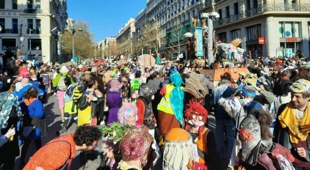 Marsiglia, seimila in piazza per festeggiare il Carnevale