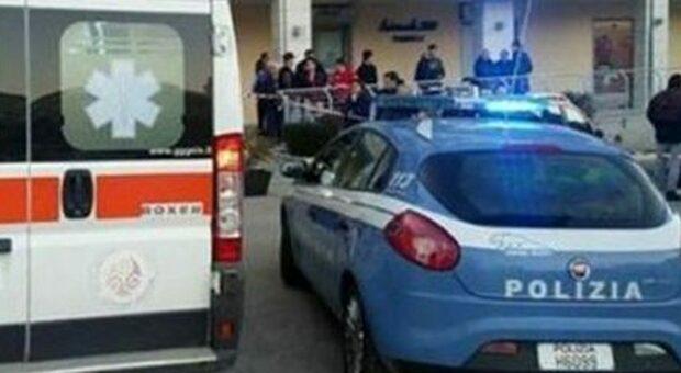 Bologna, invita i genitori per la laurea e si uccide: aveva dato pochi esami. L'ultimo messaggio: «Sono sul ponte»