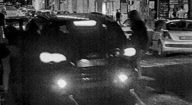 Willy Monteiro, la foto che incastra i fratelli Bianchi: scendono da un suv nero dopo il pestaggio