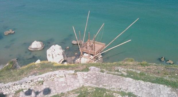 Sfregio al Gargano: distrutto il trabucco di Rodi